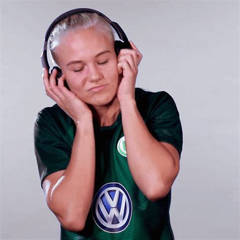 Champions League Dancing GIF by VfL Wolfsburg - Find