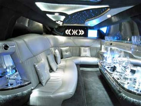Lincoln Town Car Limousines for hire